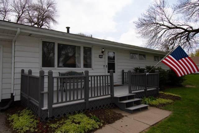 7001 S 38TH Street, BELLEVUE, NE 68147 (MLS #21-615) :: Berkshire Hathaway Ambassador Real Estate