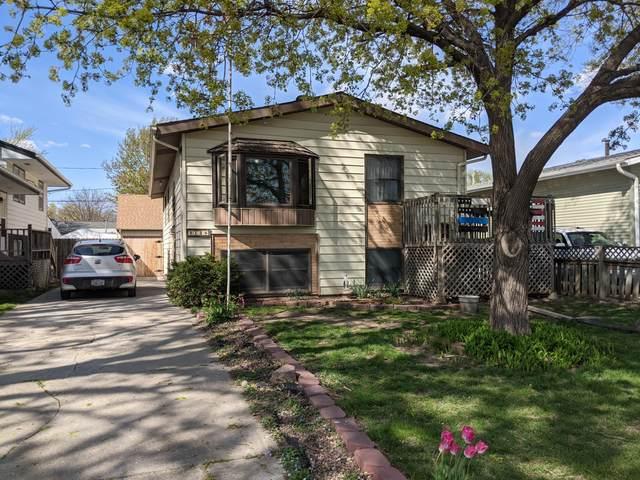2128 Ave J, COUNCIL BLUFFS, IA 51501 (MLS #21-630) :: Berkshire Hathaway Ambassador Real Estate