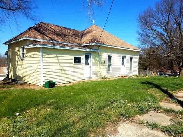708 Vine Street, OAKLAND, IA 51560 (MLS #21-76) :: Stuart & Associates Real Estate Group