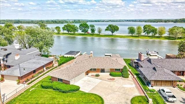 15 Westlake Vlg., COUNCIL BLUFFS, IA 51501 (MLS #21-957) :: Berkshire Hathaway Ambassador Real Estate