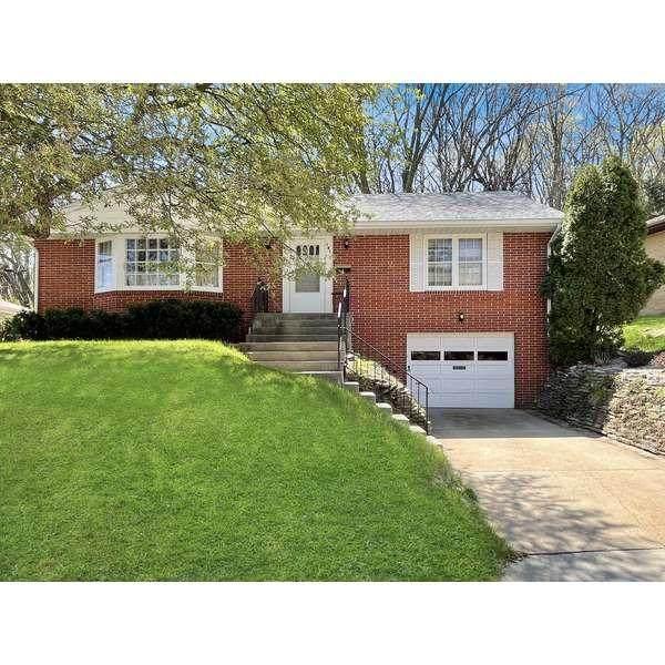 141 Norton Avenue, COUNCIL BLUFFS, IA 51503 (MLS #21-624) :: Berkshire Hathaway Ambassador Real Estate