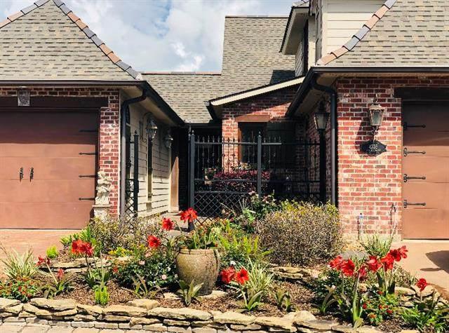4305 Canal Place Drive, Lake Charles, LA 70605 (MLS #SWL21000898) :: Robin Realty