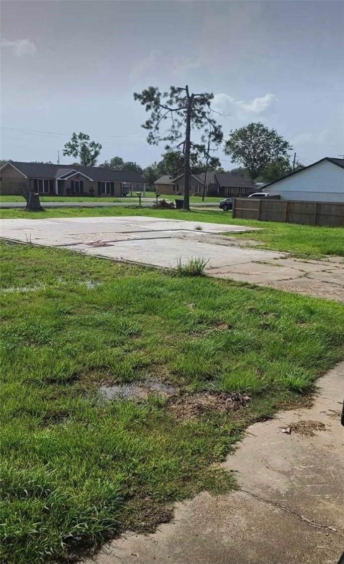 6827 Meadow Ridge Lane - Photo 1