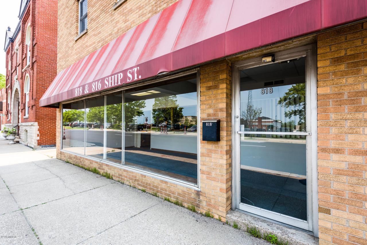 818 Ship Street - Photo 1