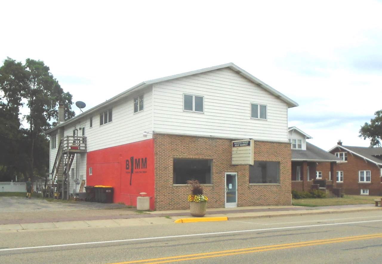4352 Lake Street - Photo 1