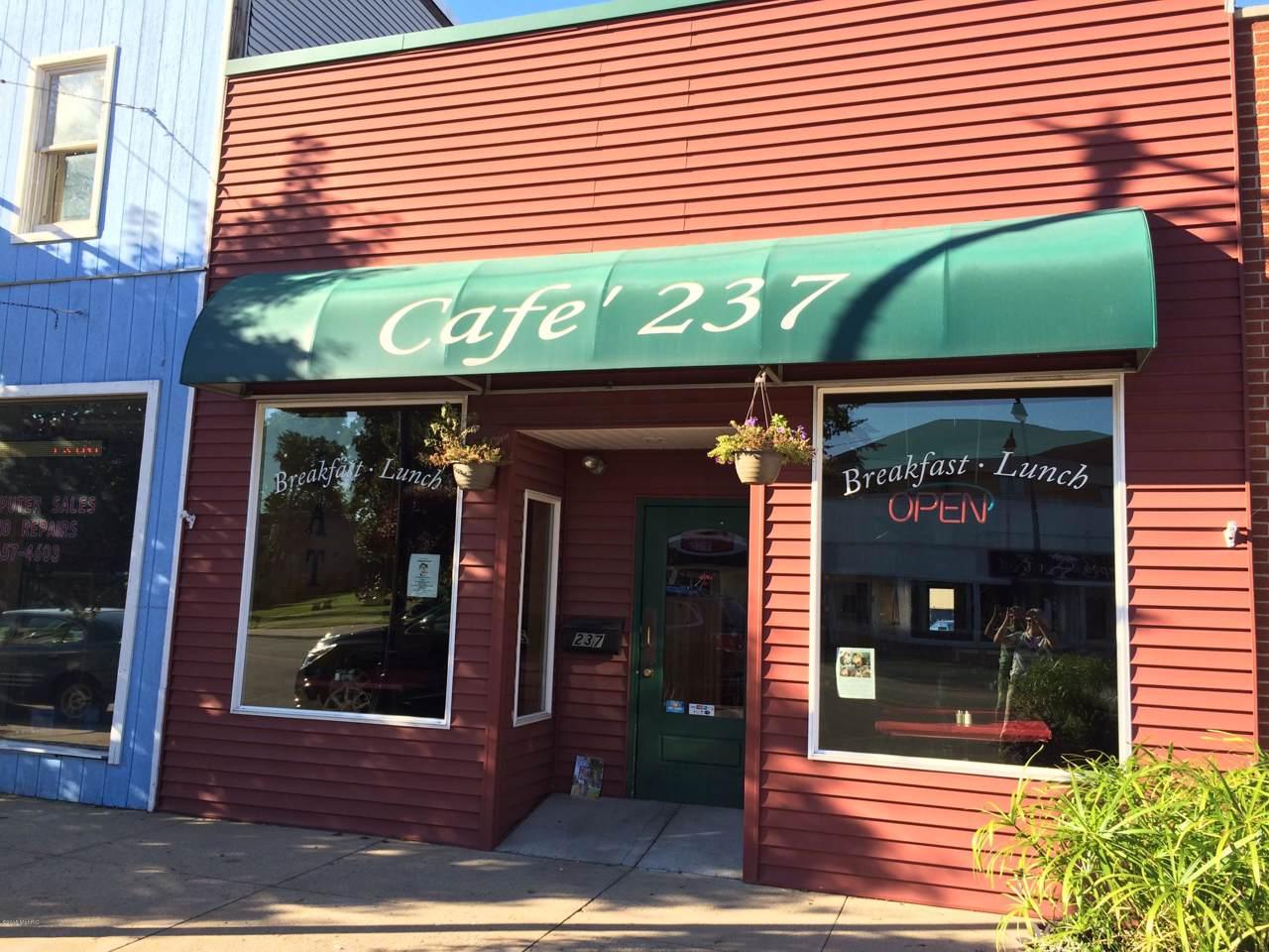 237 Michigan Avenue - Photo 1