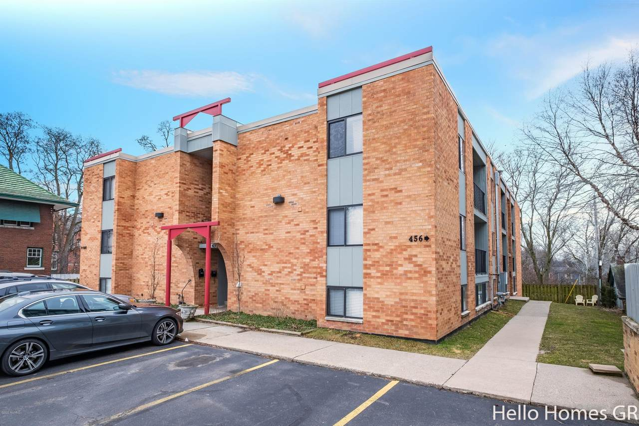 456 Fulton Street - Photo 1