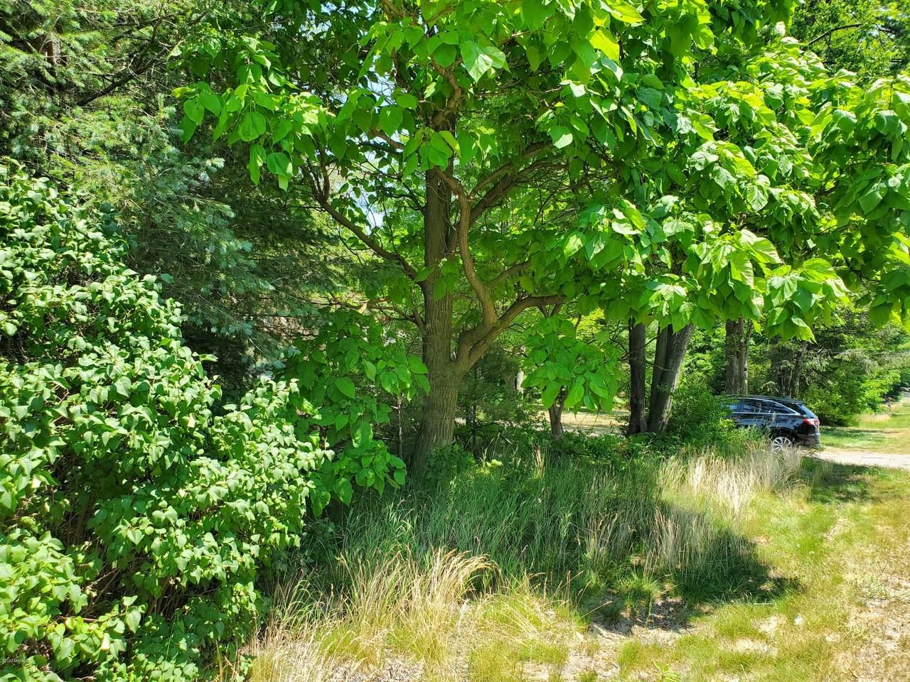 2052 Sternberg Road - Photo 1