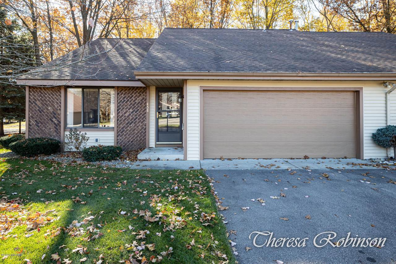 458 Cherry Lane - Photo 1