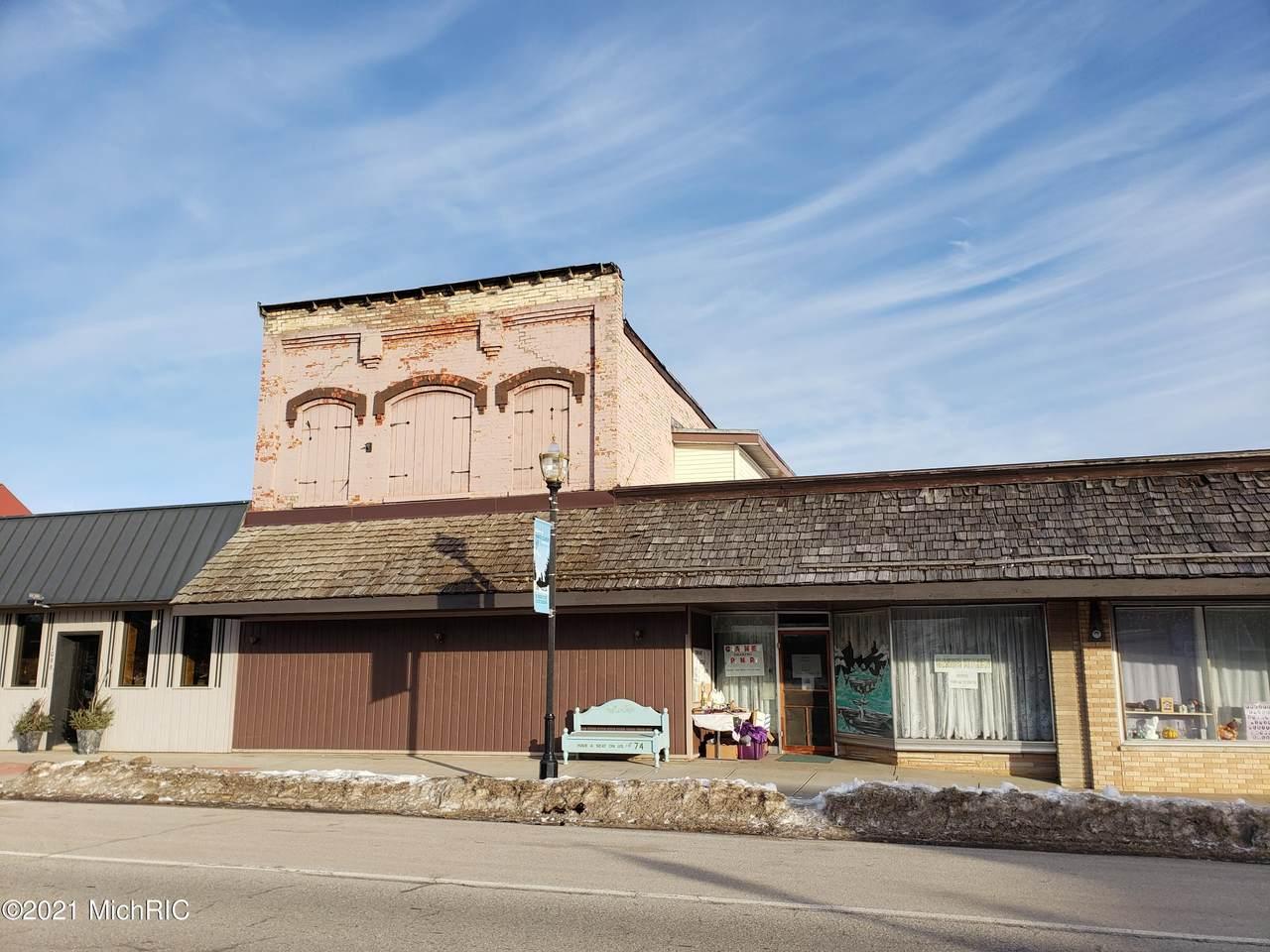 1101 Wilcox Avenue - Photo 1