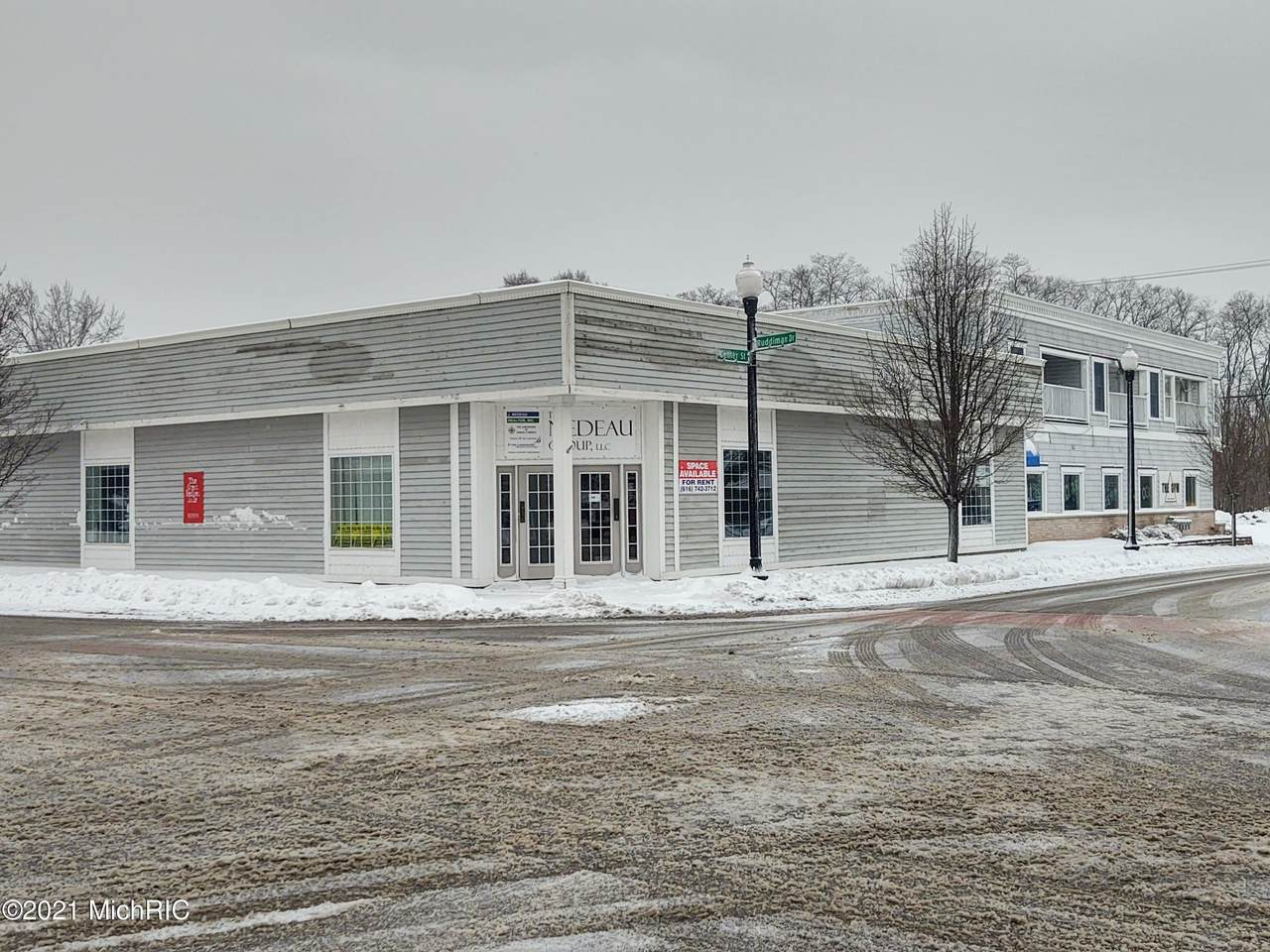 318 Center Street - Photo 1