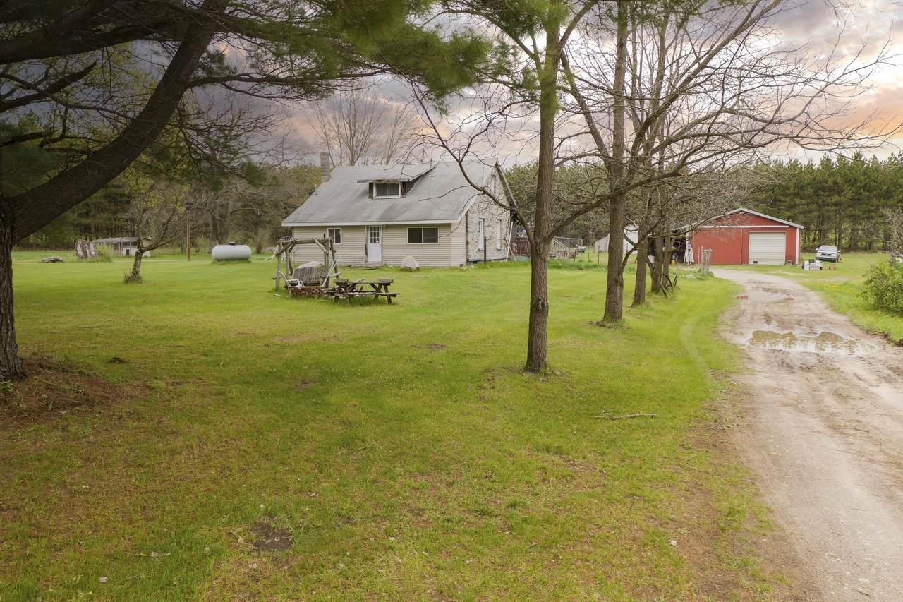 8800 County Line Road - Photo 1