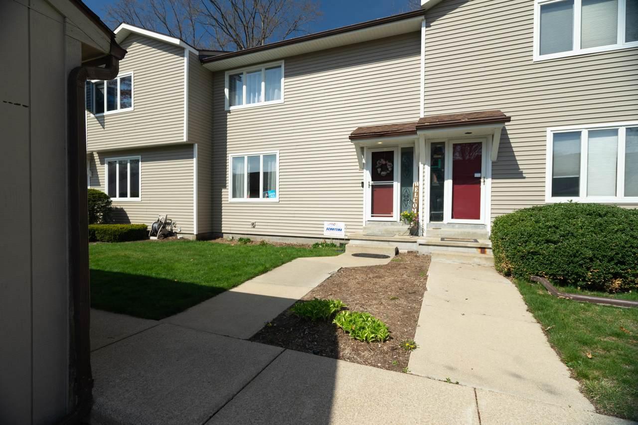 1368 Norton Avenue - Photo 1