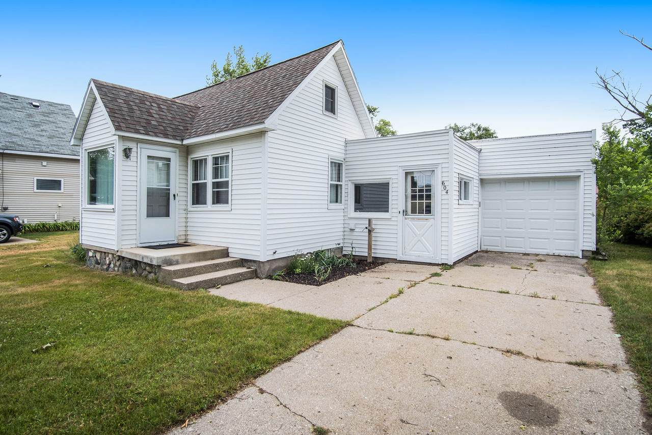 604 Lakeview Street - Photo 1