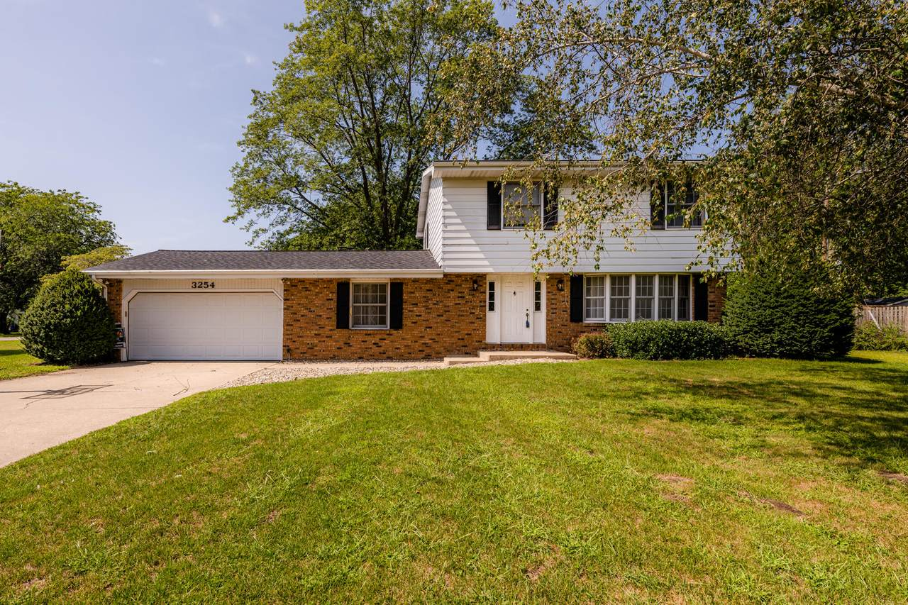 3254 Valley View Drive - Photo 1