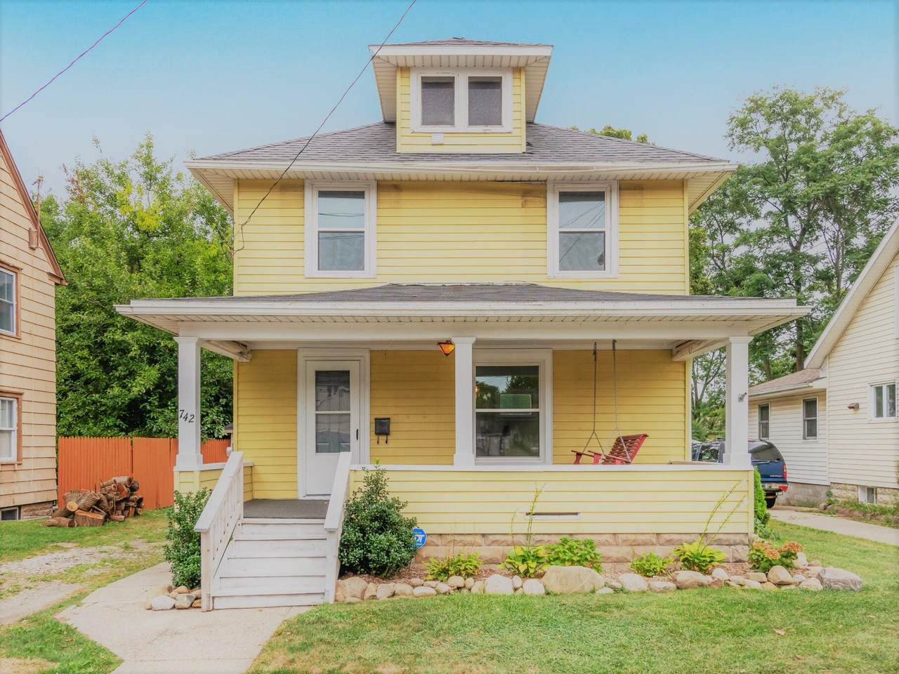 742 Griswold Street - Photo 1