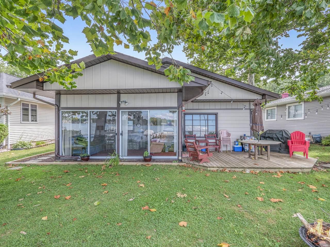 768 Lakeview Drive - Photo 1