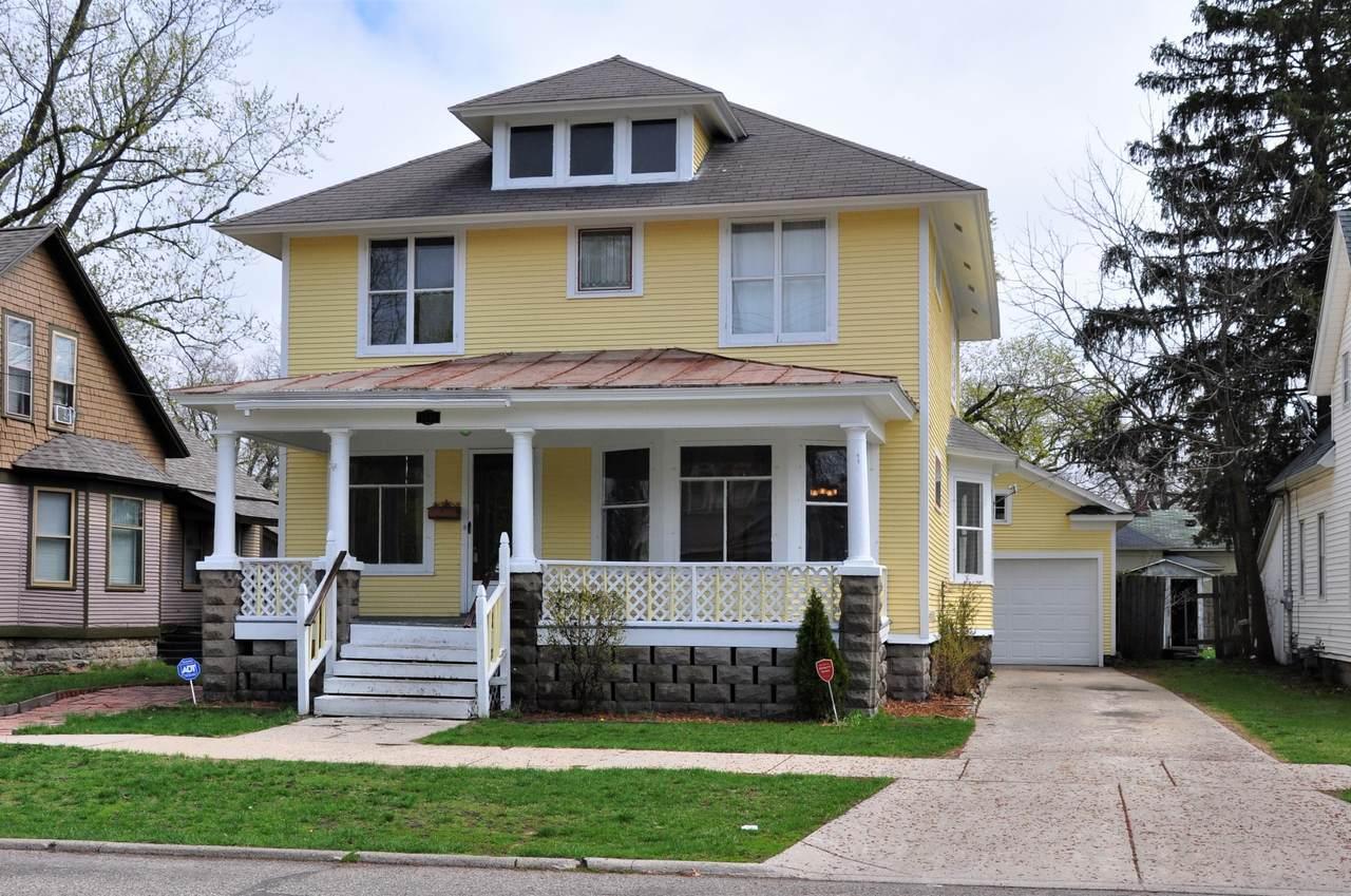 1534 Clinton Street - Photo 1