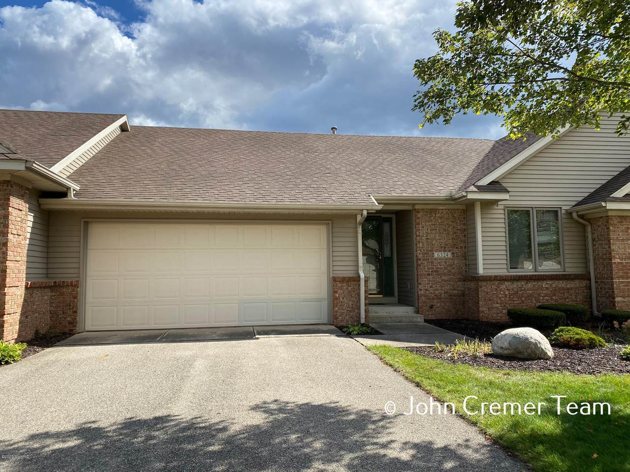 6324 Thornhill Court - Photo 1