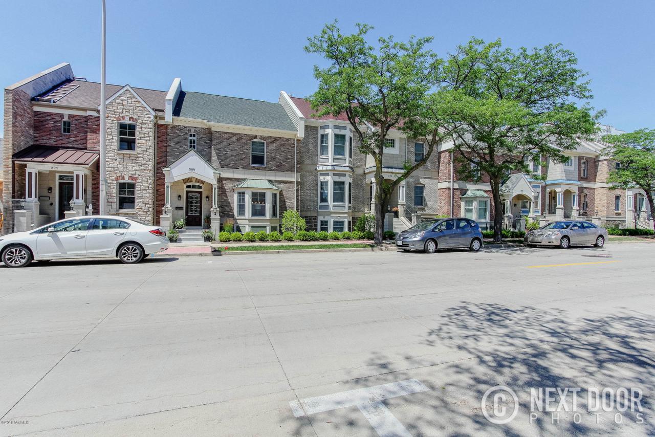 252 Clay Avenue - Photo 1