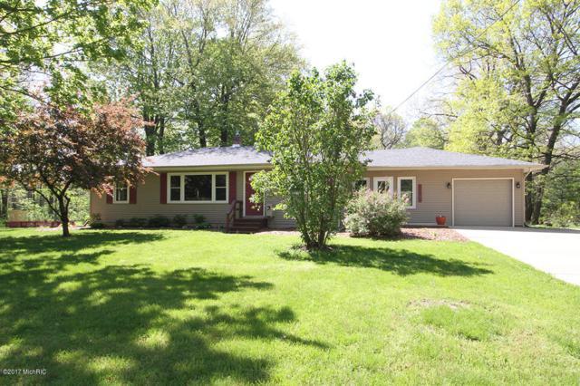 16764 E C Avenue, Augusta, MI 49012 (MLS #17022450) :: Matt Mulder Home Selling Team