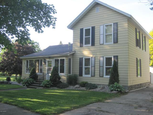 711 S Lincoln, Lakeview, MI 48850 (MLS #17026212) :: Deb Stevenson Group - Greenridge Realty