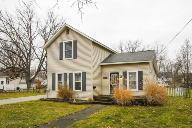 224 W Morrell Street, Otsego, MI 49078 (MLS #17027058) :: Matt Mulder Home Selling Team