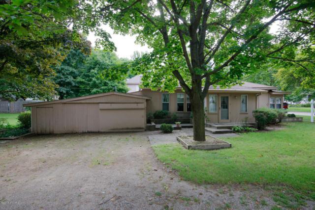 403 3rd Street, Lawton, MI 49065 (MLS #17028513) :: Matt Mulder Home Selling Team