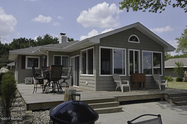 92815 Lakeshore Drive, Lawton, MI 49065 (MLS #17028622) :: Matt Mulder Home Selling Team