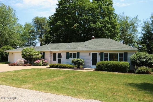 8444 Gull Road, Richland, MI 49083 (MLS #17029430) :: Matt Mulder Home Selling Team