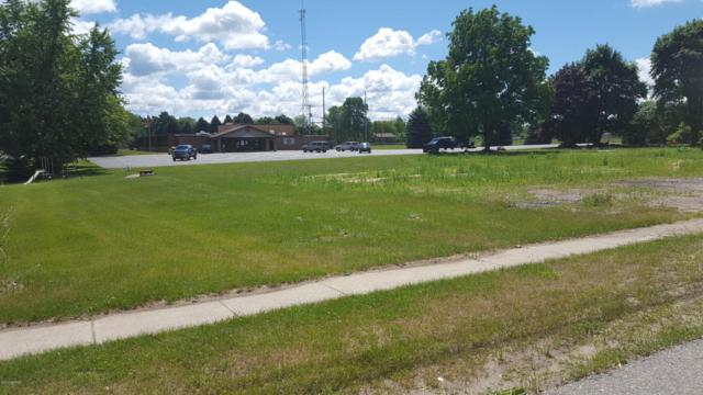 607 S First Street, Edmore, MI 48829 (MLS #17030088) :: Carlson Realtors & Development