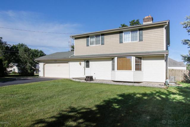 7803 Foxwood, Richland, MI 49083 (MLS #17030102) :: Matt Mulder Home Selling Team