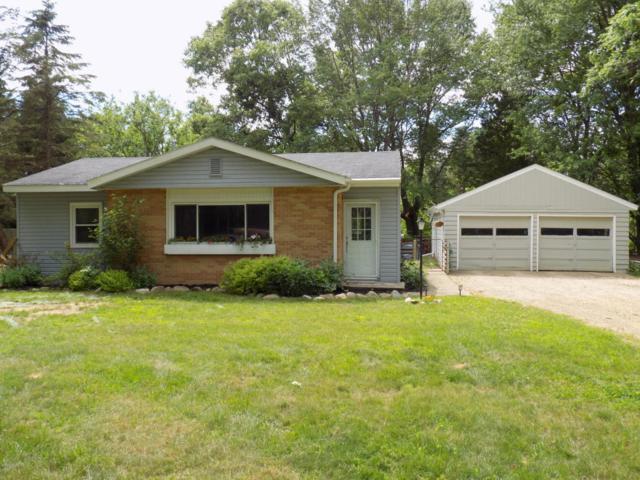 58564 County Road 657, Mattawan, MI 49071 (MLS #17030115) :: Matt Mulder Home Selling Team