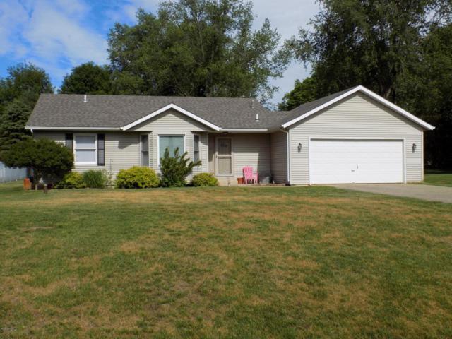62417 Oak Shadows Road, Lawton, MI 49065 (MLS #17030243) :: Matt Mulder Home Selling Team