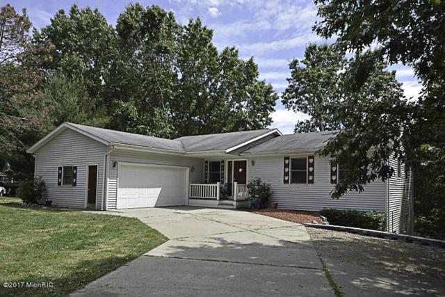 716 Concord Drive, Lawton, MI 49065 (MLS #17030250) :: Matt Mulder Home Selling Team