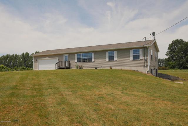 76700 29th Street, Lawton, MI 49065 (MLS #17030341) :: Matt Mulder Home Selling Team