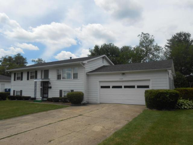 1805 Cobb Avenue, Kalamazoo, MI 49007 (MLS #17030523) :: Matt Mulder Home Selling Team