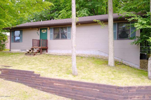 25965 Shore Drive, Lawton, MI 49065 (MLS #17030604) :: Matt Mulder Home Selling Team