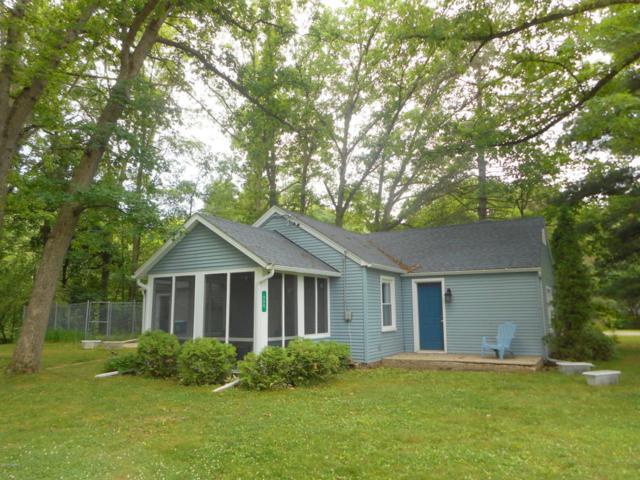 996 Woodworth Street NE, Grand Rapids, MI 49525 (MLS #17030607) :: Matt Mulder Home Selling Team