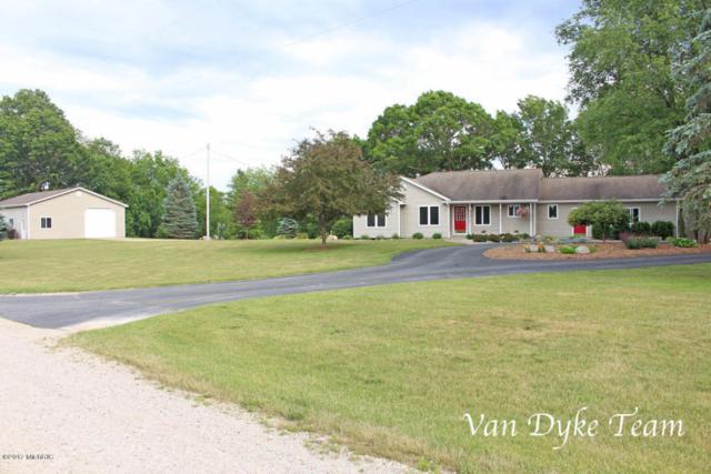 13900 Clear Creek Drive NE, Lowell, MI 49331 (MLS #17030610) :: Matt Mulder Home Selling Team