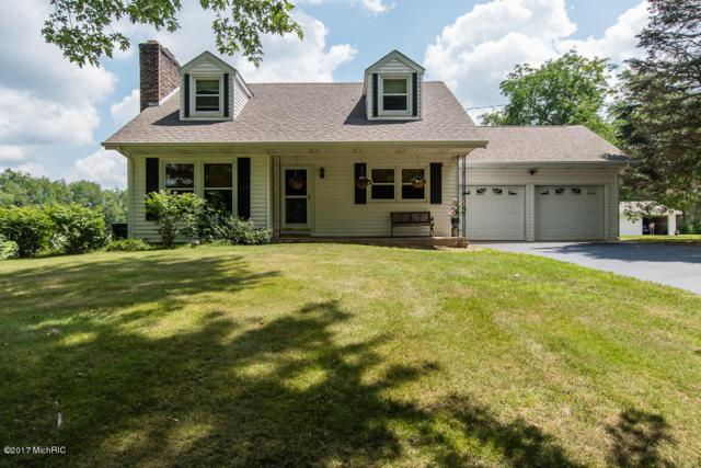 2776 N 38th Street, Augusta, MI 49012 (MLS #17035911) :: Matt Mulder Home Selling Team