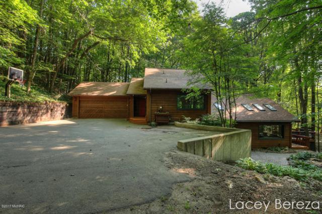 470 9 Mile Road NE, Comstock Park, MI 49321 (MLS #17036435) :: Matt Mulder Home Selling Team