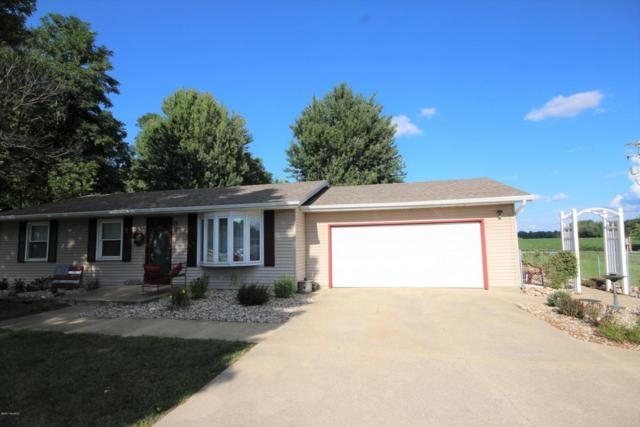 10527 S Sprinkle Road, Vicksburg, MI 49097 (MLS #17039704) :: Matt Mulder Home Selling Team