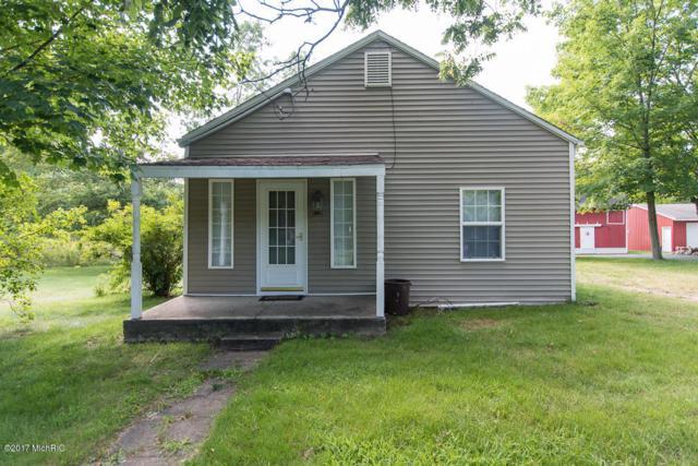 7683 N 32nd Street, Richland, MI 49083 (MLS #17040016) :: Matt Mulder Home Selling Team