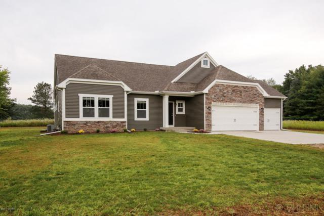 8611 N 28th, Richland, MI 49083 (MLS #17040740) :: Matt Mulder Home Selling Team