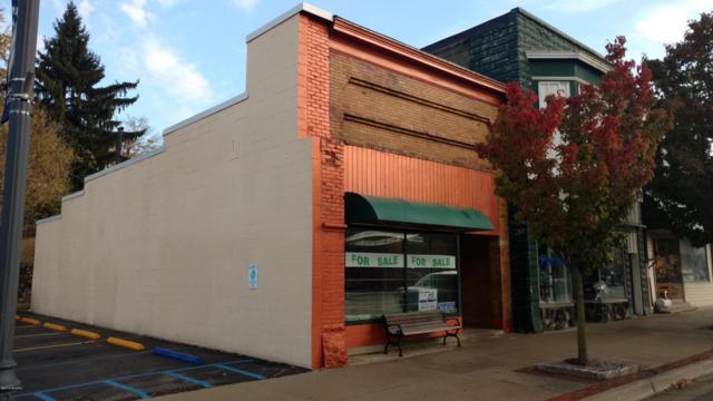 425 E Main Street, Edmore, MI 48829 (MLS #17040851) :: Carlson Realtors & Development