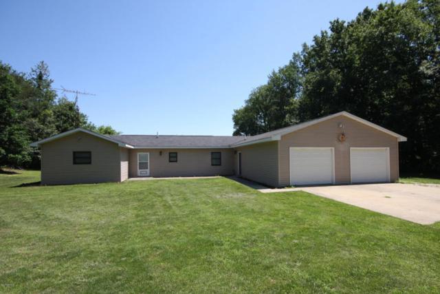 9474 B Avenue, Otsego, MI 49078 (MLS #17041060) :: Matt Mulder Home Selling Team