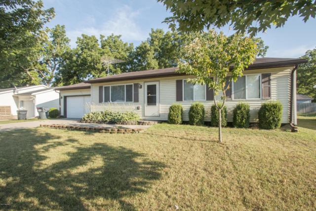 221 Harvey Street, Lawton, MI 49065 (MLS #17041181) :: Matt Mulder Home Selling Team