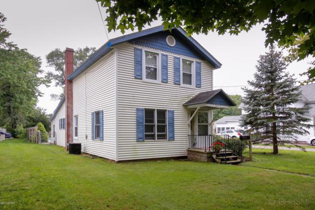348 E Orleans Street, Otsego, MI 49078 (MLS #17041202) :: Matt Mulder Home Selling Team