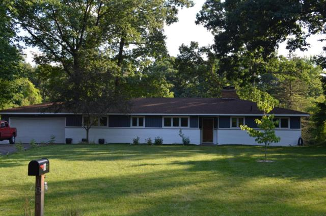 181 Harper Creek Drive, Battle Creek, MI 49014 (MLS #17041595) :: Matt Mulder Home Selling Team